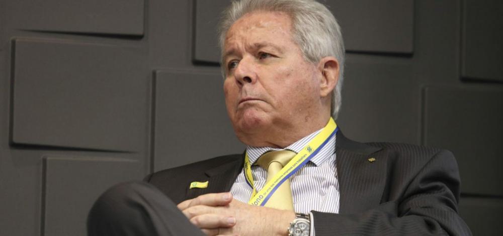 Presidente do BB, Rubem Novaes entrega pedido de renúncia a Guedes e Bolsonaro