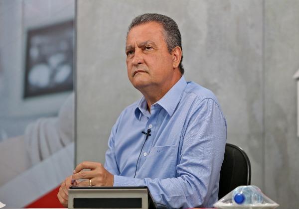 Rui vistoria etapa concluída das obras de macrodrenagem em Lauro de Freitas