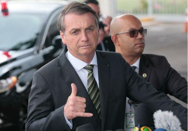 Após acusação de fake news, Bolsonaro é processado por danos morais