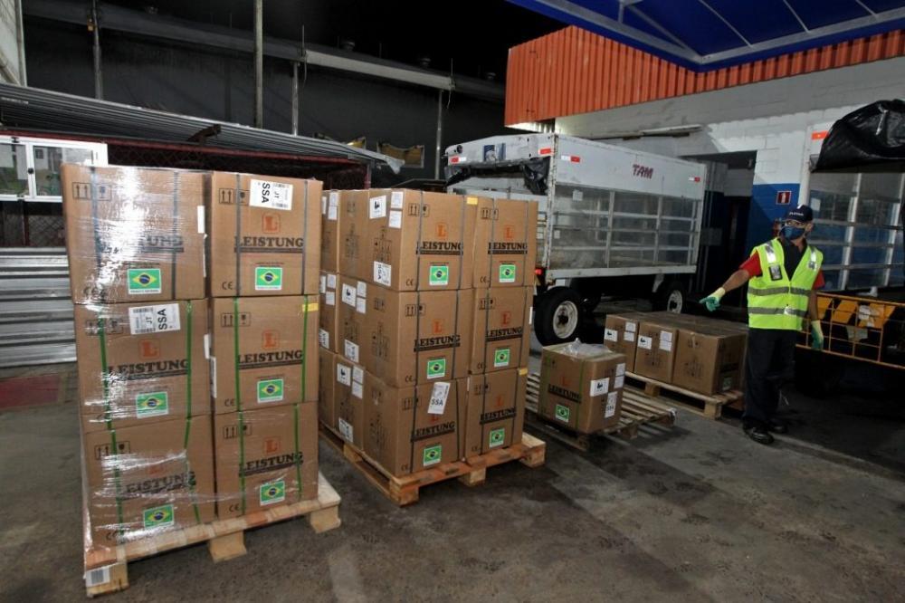 Governo entrega equipamentos para abertura